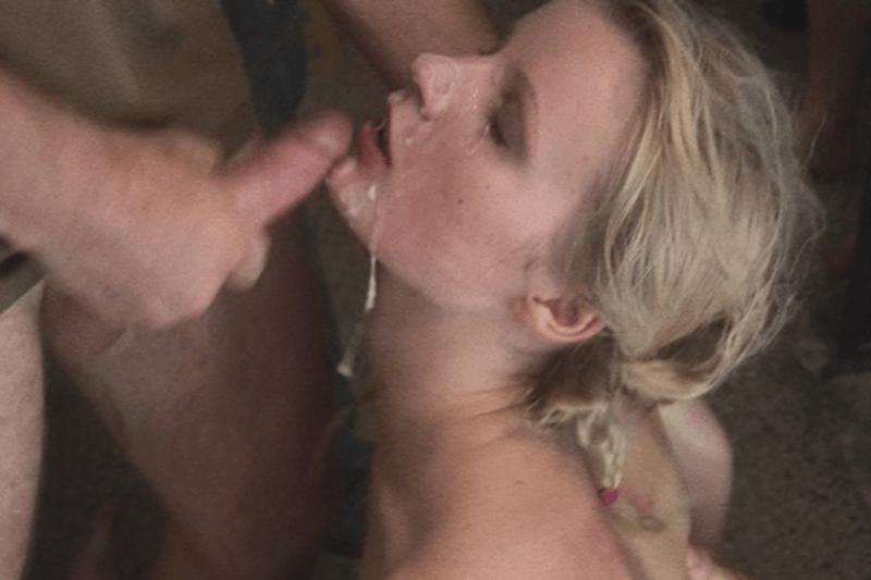 Geile Hobbynutte schluckt Sperma