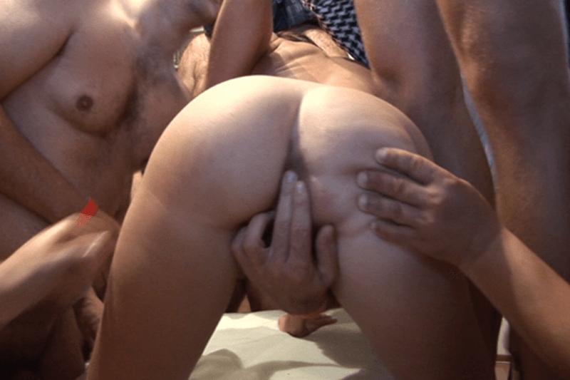 Sexy Schülerin auf privater Aufnahme vom Rudelbumsen mit Arsch ficken