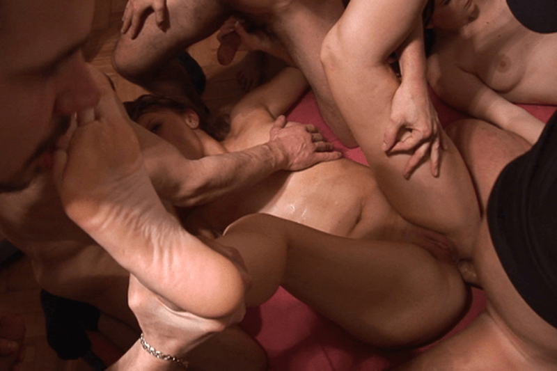 gangbang frauen private sex parties