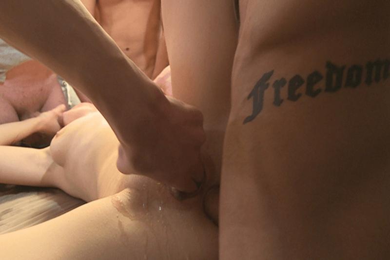 Hardcore Gangbang Porno mit versautem Analsex