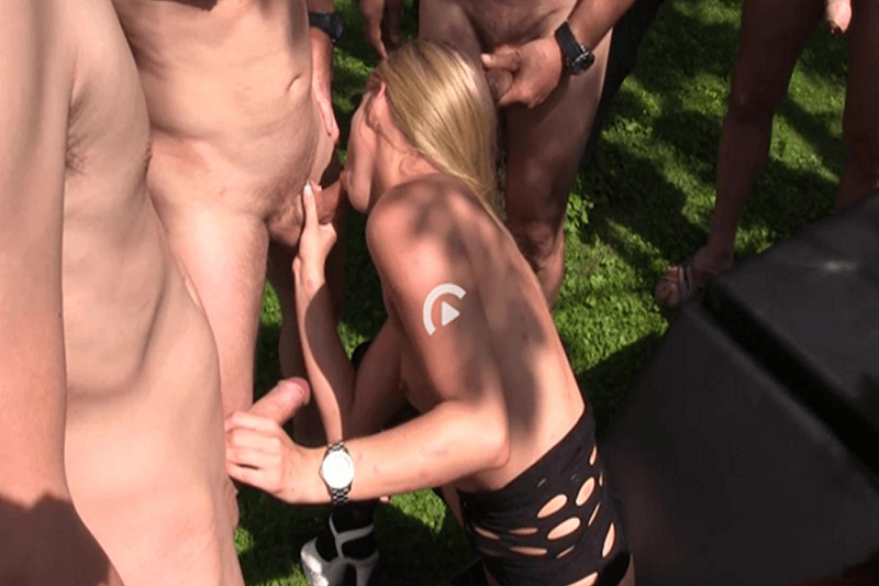 Sexy Hobbyschlampe beim Gruppenficken im Freien
